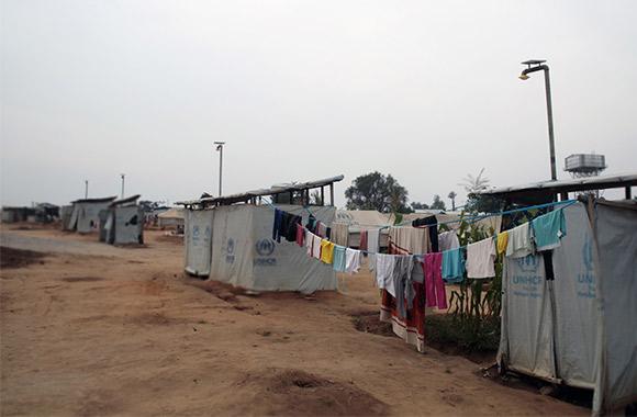 Solcellsbelysning vid dusch- och tvättstation i Mahama