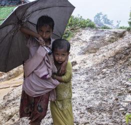 200 000 barn har tvingats fly från Myanmar till Bangladesh efter våld i delstaten Rakhine. Foto: Mahmud Rahman/ Map/Plan International