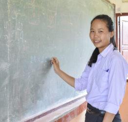 Flicka i en skola i Laos