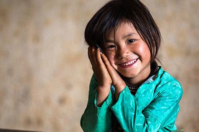 Glad flicka från Vietnam